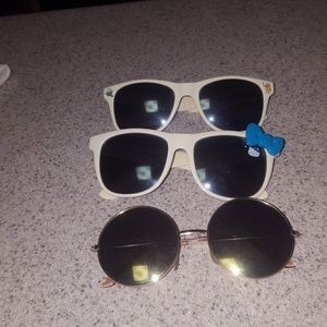 Accessories - multiple character sunglasses